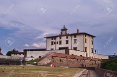http://www.123rf.com/photo_41006319_forte-belvedere-florence-italy.html