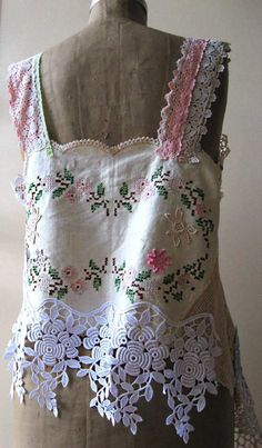 Linen and Lace Top Vintage Appliqued by AllThingsPretty/ interesting way to use vintage embroidery, doilies, lace, etc. Vintage Embroidery, Vintage Lace, Vintage Tops, Diy Clothing, Sewing Clothes, Abaya Mode, Ropa Shabby Chic, Moda Hippie, Embroidery Transfers
