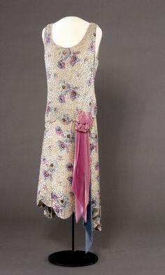 Evening Dress, 1929, Nasjonalmuseet for Kunst, Arketektur, og Design.