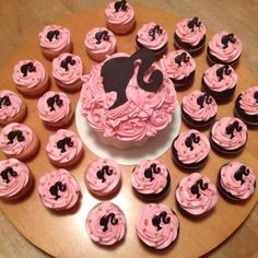 Barbie cupcakes and mega cupcake by SamuelDesigns on DeviantArt Barbie Party Decorations, Barbie Theme Party, Barbie Birthday Cake, Birthday Cake Girls, Barbie Cupcakes, Kid Cupcakes, Barbie Cake, Cupcake Cakes, 50th Birthday Themes