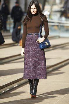 Daily Outfit Idea: Wear Your Warm Winter Pieces While You Still Can Winterbekleidung Winter Outfits Women, Fall Outfits, Summer Outfits, A Line Skirt Outfits, Modest Outfits, Long Wool Skirt, Skirt Fashion, Fashion Outfits, Modest Fashion