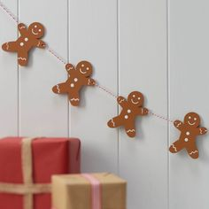 Guirlande de bonhomme en pain d'épices pour noel - Wooden Gingerbread Man Christmas Bunting -