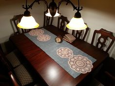Present Day, Filet Crochet, Table Runners, Home Accessories, Repurposed, Living Spaces, Diy And Crafts, Vintage, Furniture