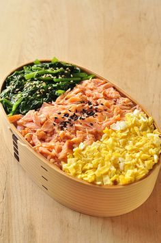 Three-Color Topping Rice Bento Lunch (Green Spinach, Pink Salmon, Yellow Egg) |三色弁当