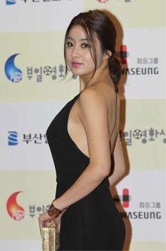 Kang So-Ra 강소라 Korean Women, Korean Girl, Korean Actresses, Korean Actors, Very Beautiful Woman, Beautiful Asian Girls, Korean Beauty, Asian Beauty, K Pop