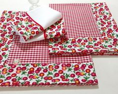 Cozinha e Área de Serviço Mini Quilts, Fall Festival Booth, Diy Kitchen Storage, Quilted Table Runners, Mug Rugs, Chair Pads, Diy Kits, Diy And Crafts, Sewing Projects