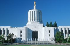 Oregon State Capitol building in Salem.