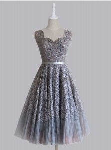 Vintage Scalloped-Edge Short Lace Gray Prom Dress with Sash
