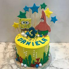 Tarta buttercream Bob Esponja y Patricio Estrella. Birthday Cake, Cupcakes, Desserts, Food, Fondant Cakes, Lolly Cake, Candy Stations, Patrick Star, Cakes For Kids