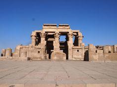 Templo doble de Sobek y Haroeris. Escapes por el Mundo Luxor, Mount Rushmore, Mountains, Nature, Travel, World, Viajes, Naturaleza, Trips