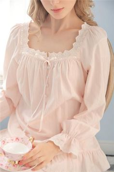 Style Fabric Cotton Top size Length Bust Sleeves XS cm - = 88 - 92 cm = 61 cm S = cm - = 92 - 94 cm = 62 cm M = 63 cm - = 94 - 98 cm = 63 cm L = cm - = 98 - 102 cm = 64 cm XL = 65 cm - Oysho Lingerie, Sheer Lingerie, Night Gown Dress, Cotton Nighties, Vintage Outfits, Vintage Fashion, Night Suit, Vintage Nightgown, Sleep Dress