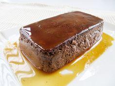 Il bonèt è un budino di antichissima tradizione, tipico del Piemonte, a base di uova, zucchero, latte, cacao, liquore (solitamente rum) e amaretti secchi. Etimologia del nome L'etimologia de…