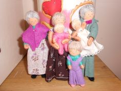 Halfpenny vintage dolls house family