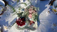 Eduardo Alexandry decorador & designer Rosa cor de rosa, gipsophila, aspargos  plumoso, dália e louça... simples pela composição e sofisticado pela beleza