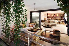 CASA DALANZA : Balcones y terrazas de estilo moderno de FANSTUDIO__Architecture & Design
