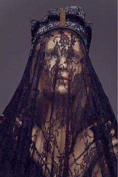 woman king. Mary? In mourning? Jezebel?