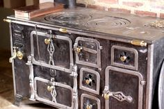 Realistically, I am never going to have an oven like this in a house of mine, but oh, I would love to...