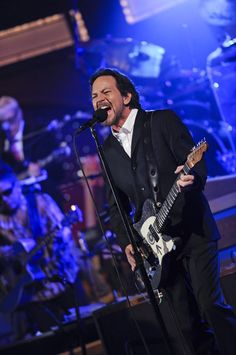 CBS TV Network Primetime, Daytime, Late Night and Classic Television Shows Great Bands, Cool Bands, Jeff Ament, Matt Cameron, Pearl Jam Eddie Vedder, My Handsome Man, Classic Tv, Love People, Beautiful People