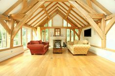 Sling brace oak frame as feature in barn room. By Roderick James Architects. Timber Frames, Timber Frame Homes, Log Cabin Floor Plans, Cosy Lounge, Self Build Houses, Houses In France, Country House Design, My Dream Home, Dream Homes