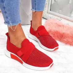 Casual Loafers, Casual Sneakers, Casual Pants, Lady, Neue Outfits, Crystal Shoes, Most Comfortable Shoes, Spring Shoes, Types Of Shoes