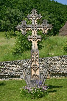 wooden cross..#jorgenca