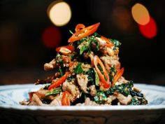 Be inspired by Luke Nguyen's Vietnam. This beef recipe is packed with flavour. Beef Tossed with Wild Betel Leaf and Lemongrass - Bo Xao La Lot Spicy Recipes, Asian Recipes, Beef Recipes, Healthy Recipes, Ethnic Recipes, Healthy Foods, Healthy Nutrition, Healthy Eating, Vietnamese Cuisine