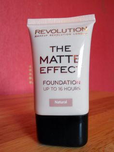Makeup Revolution - The Matte Effect Foundation