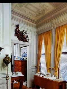 Tapetbårdsvackert i gammal victoriansk stil.. Tak som väggar