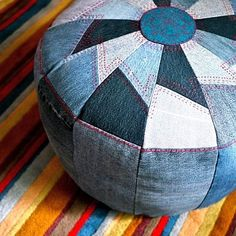 Sewing Ideas DIY Sewing Projects and Ideas for Old Jeans - DIY Pouf from Old Denim - These upcycled projects from old jeans are awesome DIY crafts like kitchen craft projects, DIY home decor Sewing Tutorials, Sewing Crafts, Sewing Projects, Craft Projects, Sewing Patterns, Sewing Ideas, Sewing Tips, Sewing Hacks, Craft Ideas