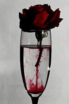Rosa ensangrentada,,,
