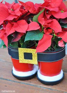 Macetas navideñas decoradas con pantalones de Santa ~ Solountip.com