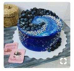 Galaxy cake too sweet - # cake # sweet # too - Galaxy Torten - Gateau Pretty Cakes, Beautiful Cakes, Amazing Cakes, Cake Cookies, Cupcake Cakes, Just Desserts, Delicious Desserts, Galaxy Cake, Dessert Decoration