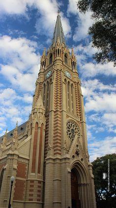 La Catedral de San Isidro en el norte del área metropolitana de Buenos Aires: