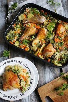 Kurczak zapiekany z ryżem i warzywami - prosty, zdrowy obiad. - Katarzyna Rzepecka Cooking Recipes, Healthy Recipes, Delicious Recipes, Chicken And Vegetables, Carne, Breakfast Recipes, Food And Drink, Healthy Eating, Yummy Food