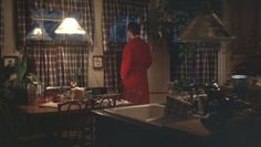 Griswold House in National Lampoon's Christmas Vacation Griswold Family Christmas, Family Christmas Gifts, Christmas Specials, Christmas Home, Christmas Holidays, Christmas Colors, Christmas Decor, Christmas Vacation House, Country Curtains