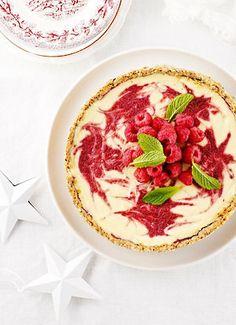 Christmas Berry Swirl Cheesecake