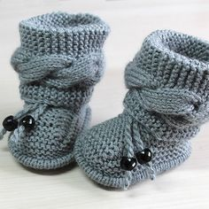 Free Knitting Pattern for Cable Baby Booties - Size: months. Knitting , Free Knitting Pattern for Cable Baby Booties - Size: months. Free Knitting Pattern for Cable Baby Booties - Size: months. Baby Booties Knitting Pattern, Aran Knitting Patterns, Crochet Baby Booties, Free Knitting, Cable Knitting, Knitting Patterns For Babies, Knit Baby Shoes, Gestrickte Booties, Crochet Baby Blanket Beginner