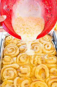 The Best Glazed Orange Rolls (Sweet Roll Recipe!) – Averie Cooks The Best Glazed Orange Sweet Rolls – The softest, lightest, and most irresistible rolls ever! Try them and you'll be a believer, too! Just Desserts, Delicious Desserts, Yummy Food, Health Desserts, Orange Sweet Rolls, Orange Cinnamon Rolls, Sweet Roll Recipe, Breakfast Recipes, Dessert Recipes