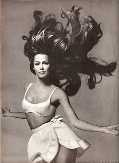 Lauren Hutton Vogue 1968