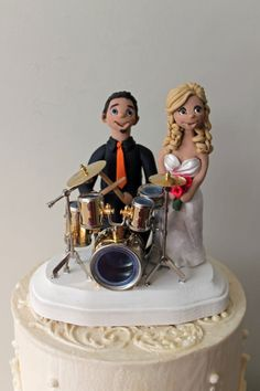 Cool drummer wedding cake for a music themed wedding. #music