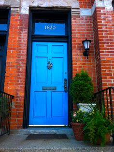 All doors should be colorful... Lincoln Ave. Chicago IL