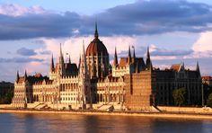 Город старинной архитектуры, низких цен и артхаусных кинотеатров. Записки из Будапешта | Новое Время: