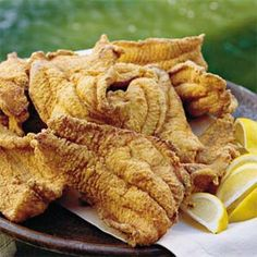 Southern Cooking ~ Cock Of The Walk (Jackson, Mississippi) Fried Catfish recipe Pan Fried Catfish, Fried Catfish Recipes, Fried Fish, Fish Fry, Cooking Catfish, Catfish Feed, Southern Fried Catfish, Fried Chicken, Fish Dishes