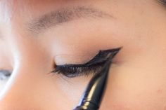 Eyeliner for Hooded Eyes Tips & Tricks - The Office Chic - hooked technique,  winged eyeliner