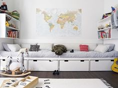 Love this twin boys room with the map of the world. another idea shared by www.twinsgiftcompany.co.uk The home of inspired gifts for twins, triplets & their families.