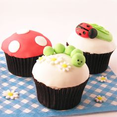 How to make Cute Cupcakes - Tutorial on how to make Caterpillar, Ladybird, Flowers and Toadstool Cupcakes and a tutorial on making and using fondant!