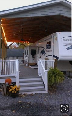 Best Winter Camping Trailer Tiny House Ideas – Famous Last Words Rangement Caravaning, Astuces Camping-car, Trailer Deck, Rv Carports, Rv Homes, Casas Containers, Diy Camper, Camper Ideas, Porch For Camper