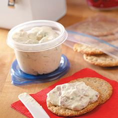 Tuna Cheese Spread Recipe -The flavor of tuna is very subtle in this thick and creamy spread. It's terrific on crackers or carrot and celery sticks, stuffed in a tomato or used for a sandwich. Tuna Fish Recipes, Dip Recipes, Cooking Recipes, Detox Recipes, Appetizer Dips, Appetizer Recipes, Dinner Recipes, Tuna Dip, Vinaigrette