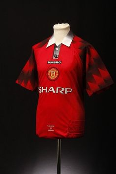 09c0c08b74f Manchester United Football Shirt (Home