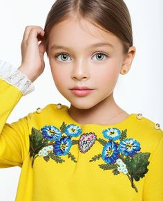 Beautiful Young Lady, Beautiful Children, Beautiful Things, Young Models, Child Models, Little Fashion, Kids Fashion, Little Girl Dresses, Little Girls